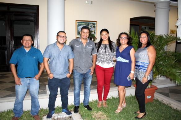 Colaoradores en El Salvador